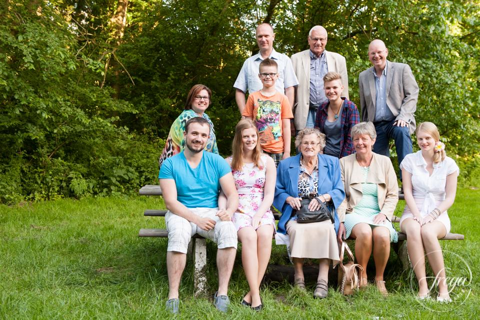 familiefoto op picknick bank hemmeland Monnickendam