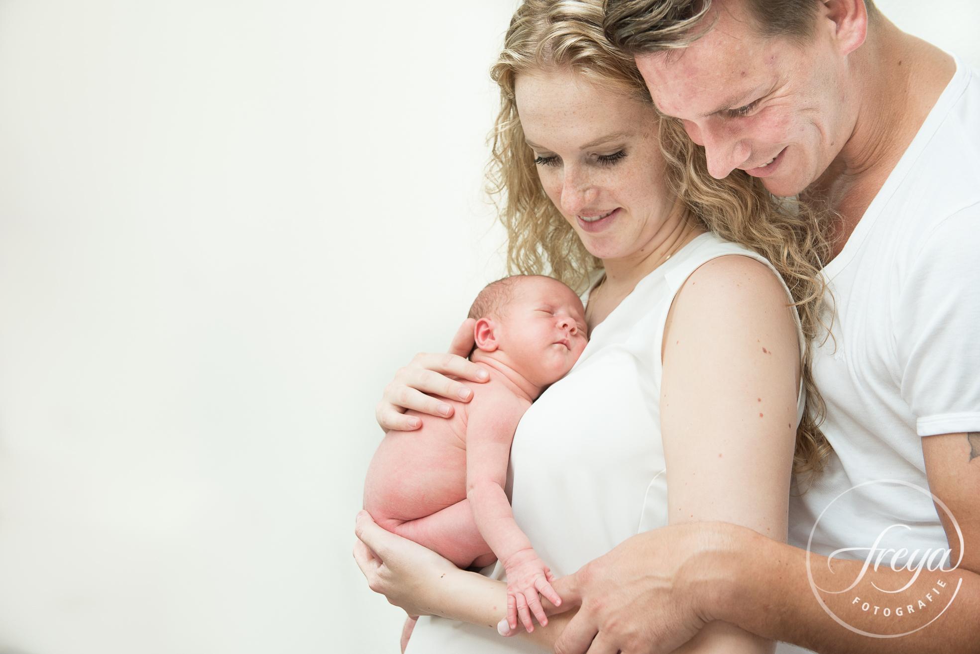 Newborn baby Jayda - Trouwfotografie Freya - 012