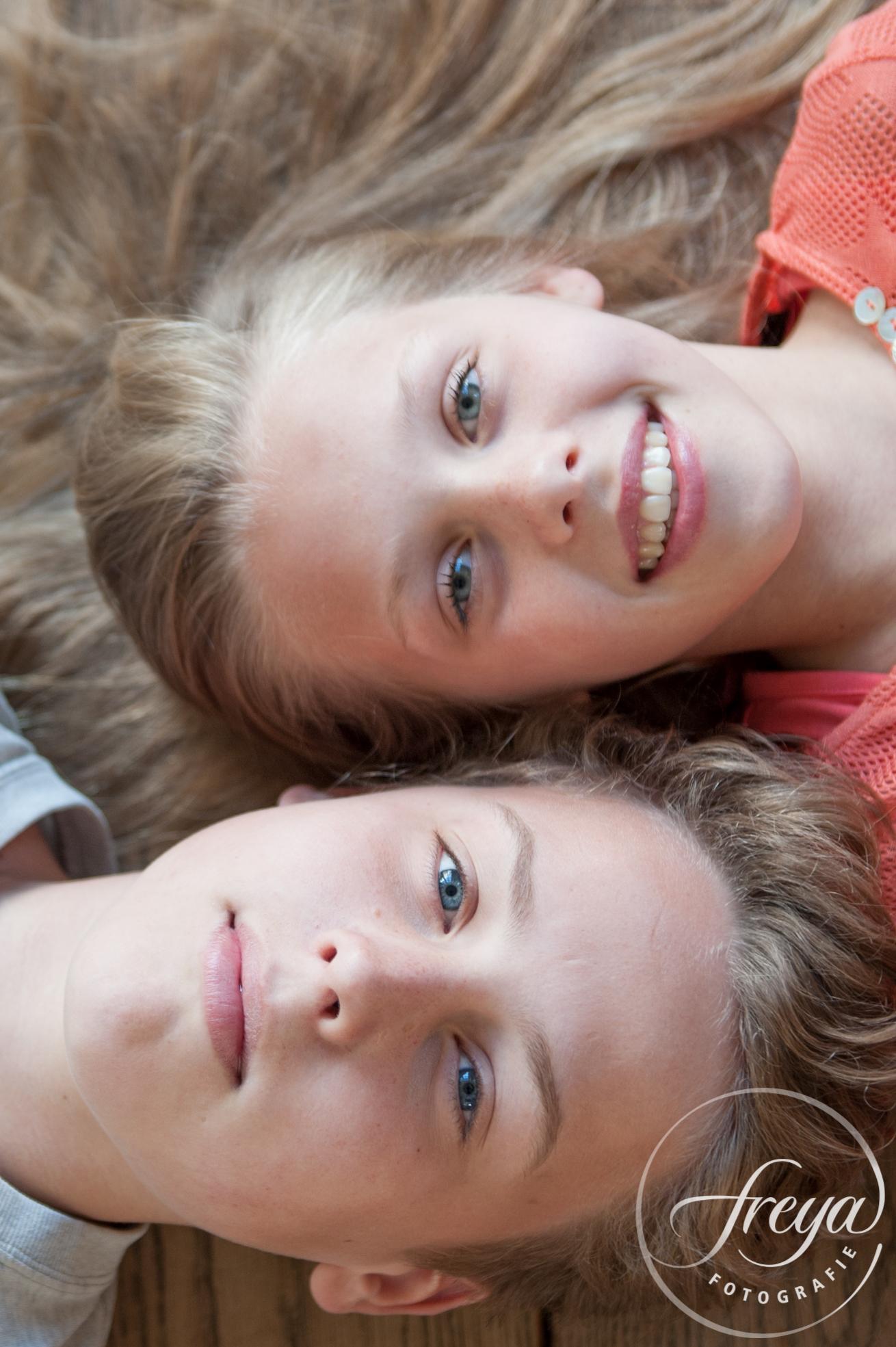 dubbel portret broer zus