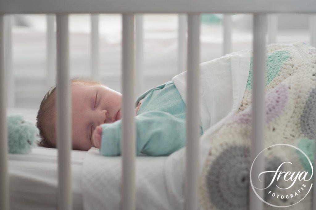 slapende baby mintgroen