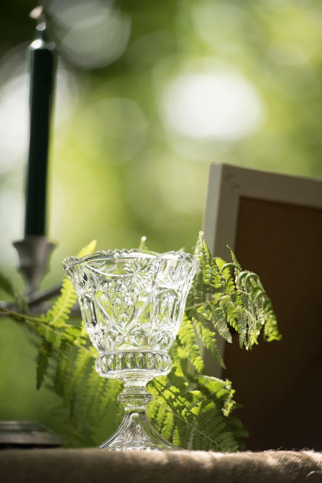 Detail tijdens traditionele handfasting - glas voor mede
