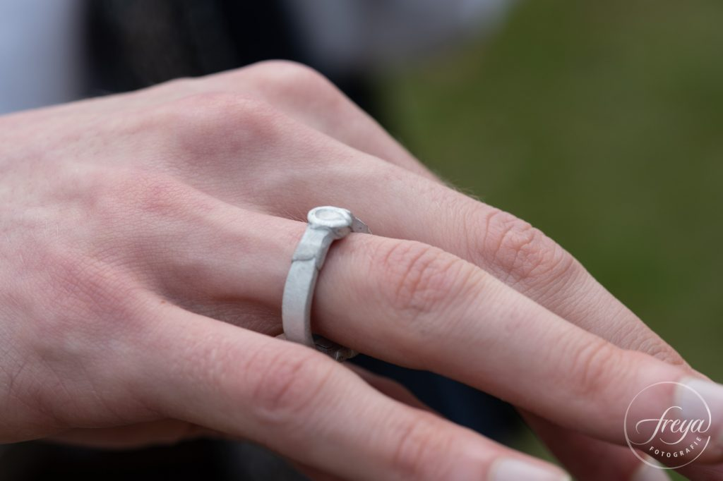 Zelfgemaakte trouwring